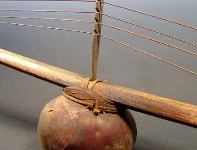 Le Mvet, instrument et chant épique